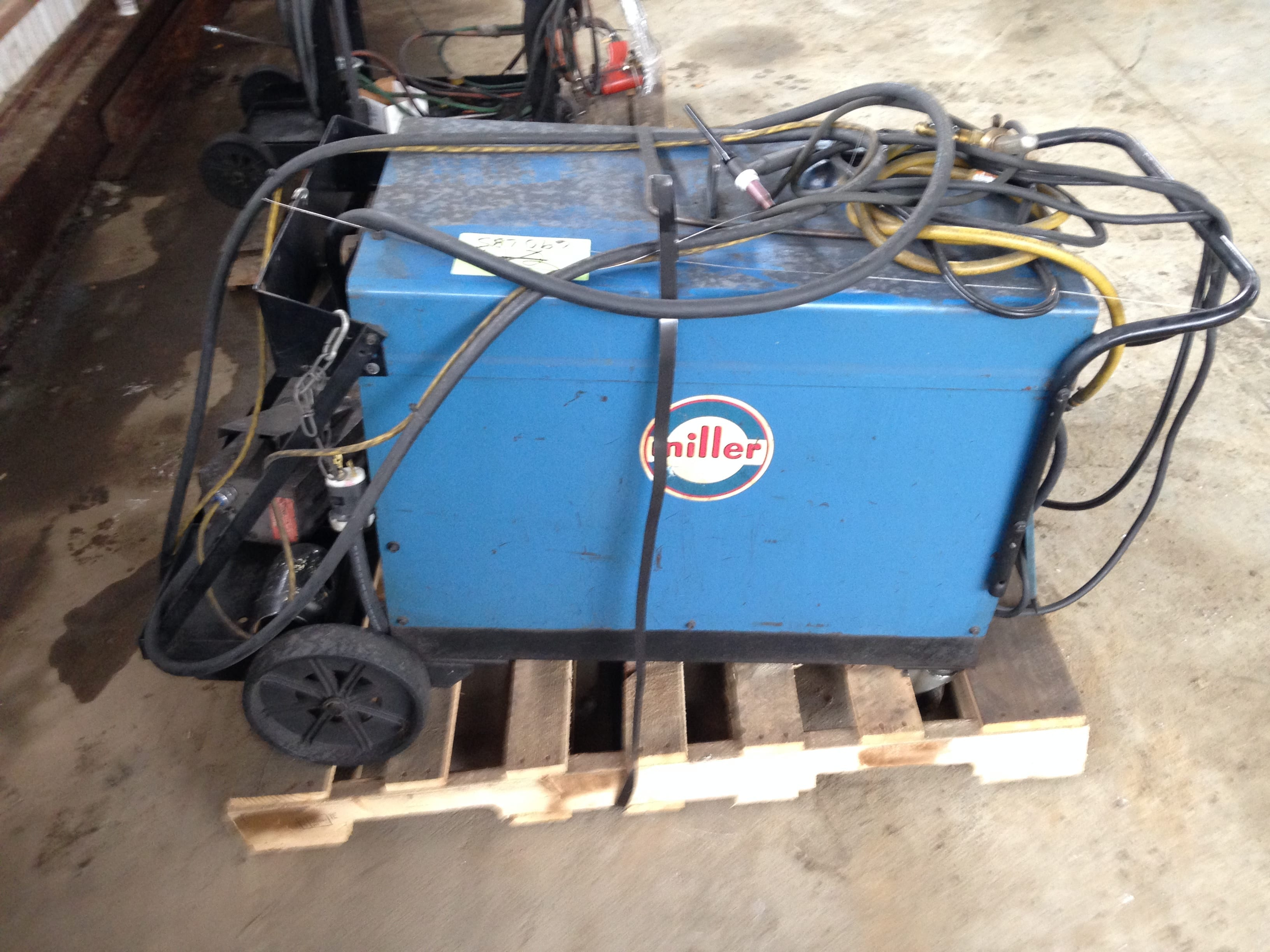 Miller Arc Welder >> Miller Dialarc Hf Ac Dc Tungston Sheilding Metal Arc Welding Power
