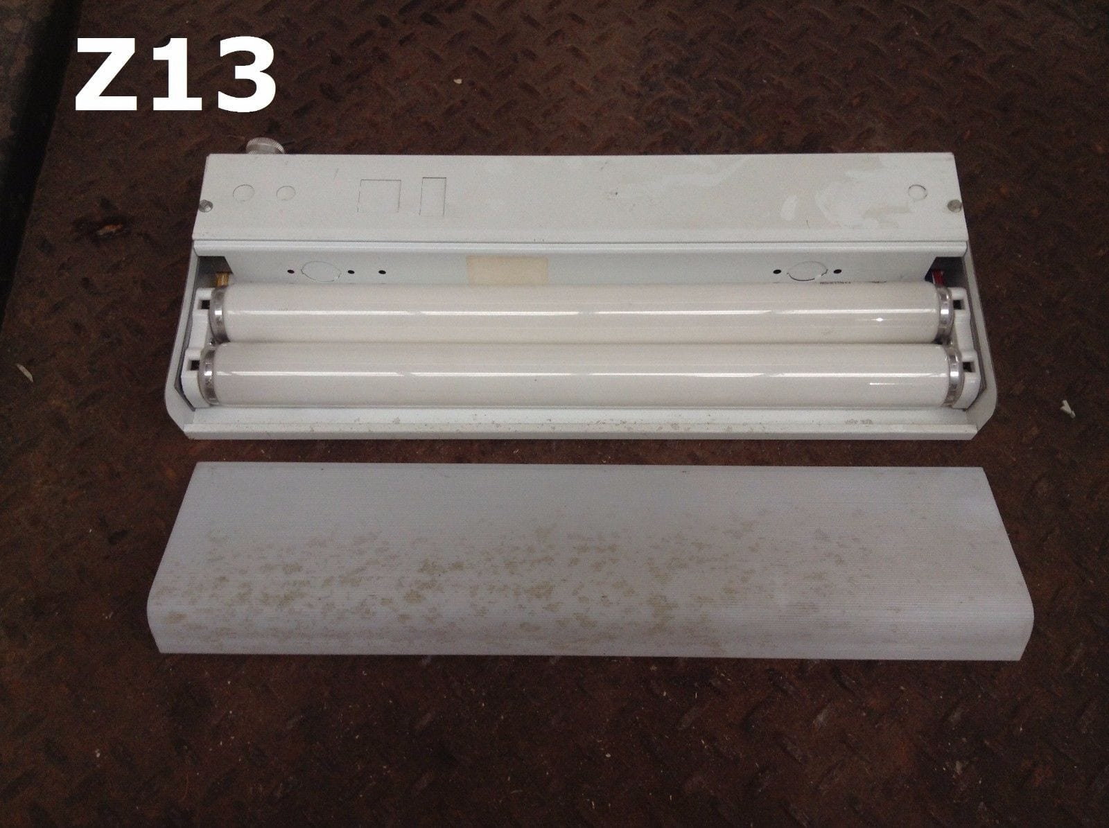 Coronet Inc. Electrical Under Cabinet Fluorescent Light Fixture 18 ...