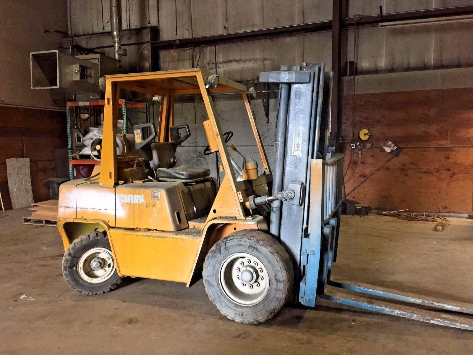 Used 7,000 # Clark C500-YS80 Forklift ...