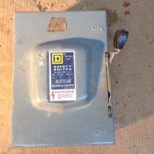 Square-D-D-321-Fusible-Safety-Disconnect-Switch-30A-240V-142806047759